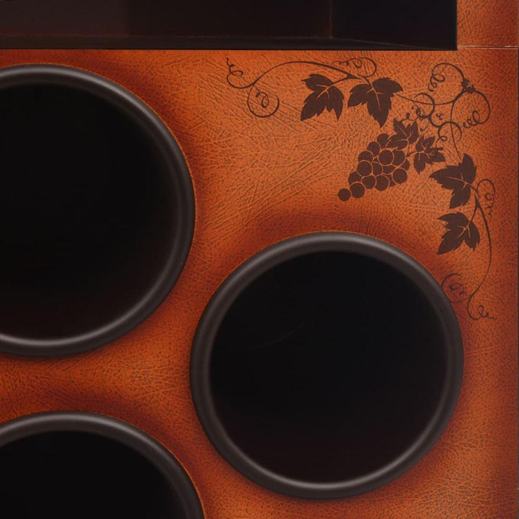 što sprječava vino od neželjenog dodirivanja zraka i pomaže vinu da zadrži svoj okus. Na vrhu stalka nalazi se držač za 3 vinske čaše i ravna površina na kojoj možete postaviti naočale prilikom ulijevanja vina. Ovaj funkcionalan i moderan vinski stalak bit će izvrstan izbor za poznavatelje vina. Imajte na umu da boce vina i čaše nisu uključene u isporuku.