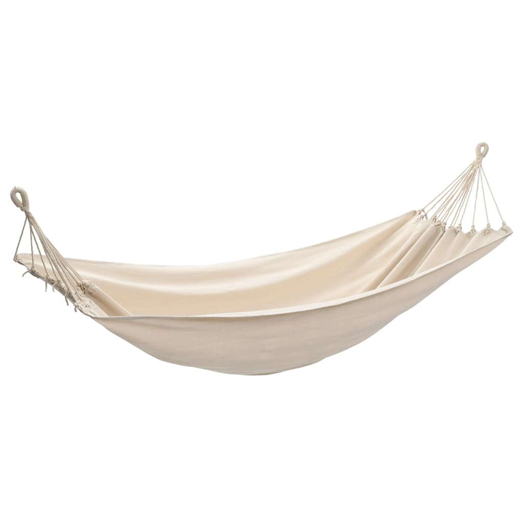 Ova viseća mreža je idealna za opuštanje u Vašem stražnjem dvorištu
