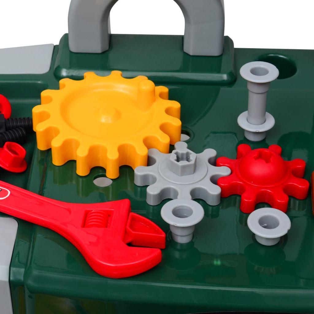 savršena je za male majstore koji će satima uživati u maštovitoj igri.. Visoka kvaliteta izrade i stabilna površina na radnom stolu postoji da bi se osigurala sigurnost naših mladih djelatnika.Mali graditelji imaju puno zabave uz čekić i vijak kao vjerne alata. Radnom stolu su priključeni svi alati . Kuke