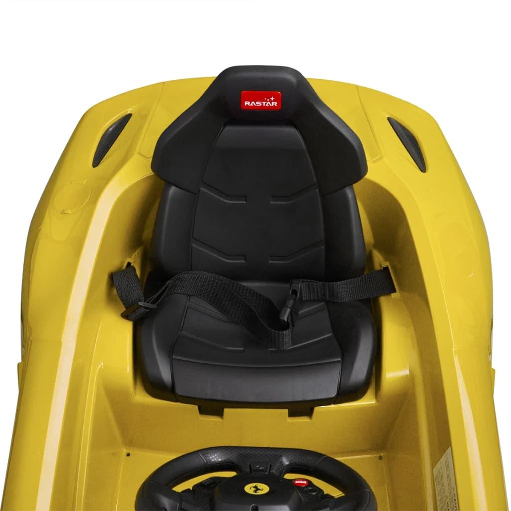 odrasli mogu kontrolirati autić s uključenim daljinskim upravljačem. Ovaj autić je Ferrari licencirani automobil. Pogodan je za djecu u dobi od 37 do 96 mjeseci.