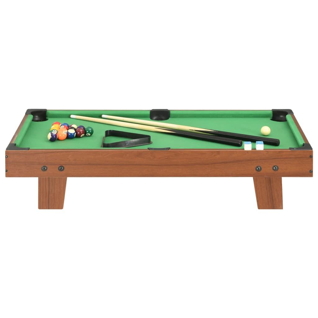 biljarski stol izuzetno je stabilan za dugotrajnu upotrebu. Ovaj igraći stol vrlo je prikladan za početnike da se upoznaju s pravilima biljara. Kad se ne upotrebljava