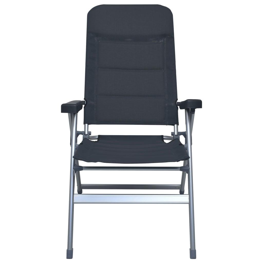 ove vanjske stolice izdržljive su i stabilne. Sjedalo i naslon podstavljeni tekstilenom izdržljivi su. Stolice se jednostavno prenose i pomiču zahvaljujući laganom aluminijskom okviru i sklopivom dizajnu. Ove vrtne stolice mogu se jednostavno sklopiti kad nisu u uporabi radi transporta i pohrane.