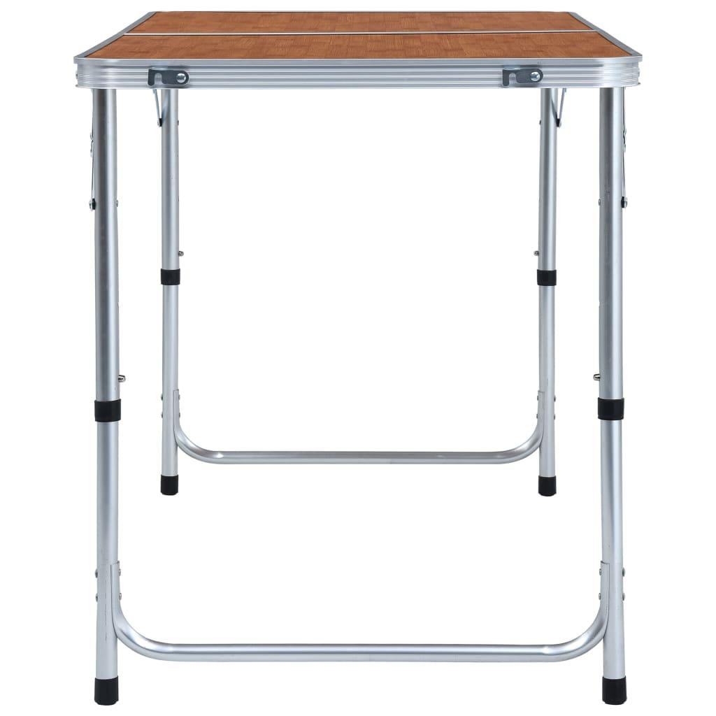 62 cm i 70 cm. Stol za kampiranje je lagan. Zahvaljujući sklopivom dizajnu